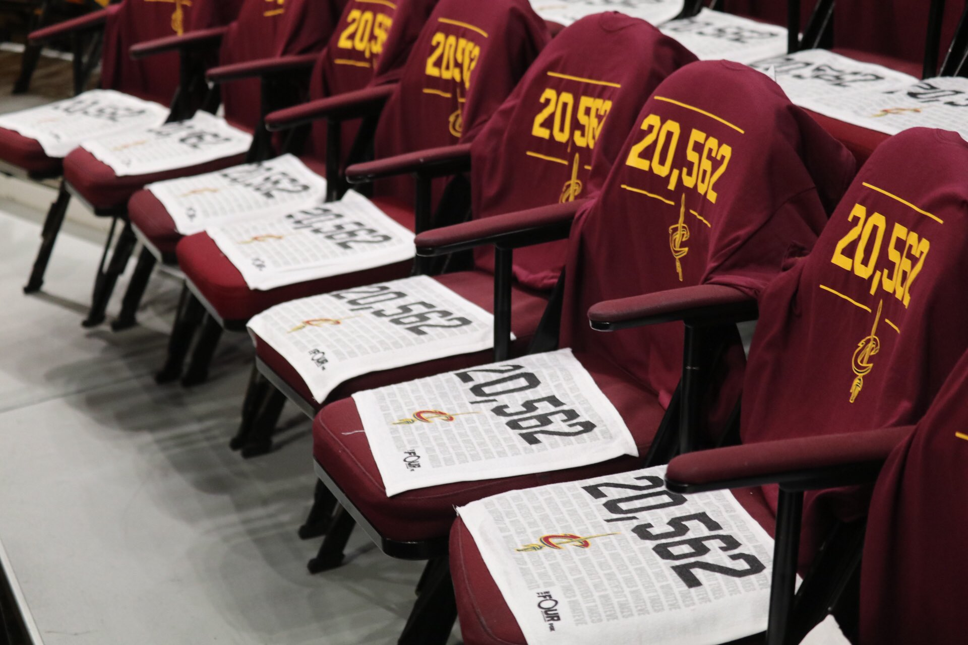 Game 4.   20,562 rally towels await you, thanks to @TheFourOnFOX.  #WhateverItTakes https://t.co/YgjQYskOmX