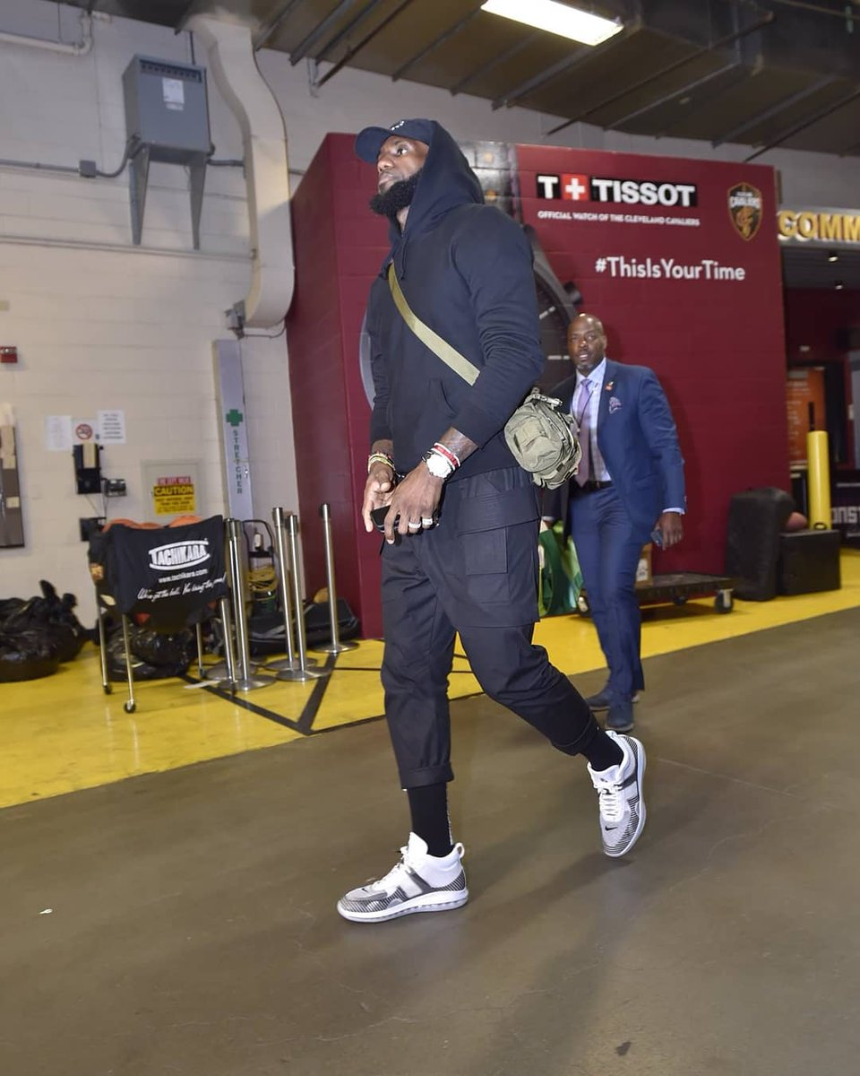 317b96edeed the king debuts the lebron james x john elliott icon the upper is a  reflection of
