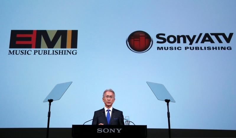Sony to pay $2.3 billion to acquire control of EMI Music https://t.co/00cHohJW16 https://t.co/lSoqnT7CcB