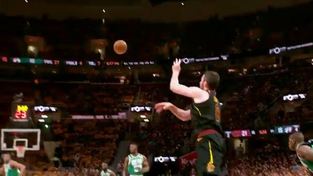 Full court pass from K. Love to LeBron in #PhantomCam! #WhateverItTakes #NBAPlayoffs https://t.co/3szxjPVM7B