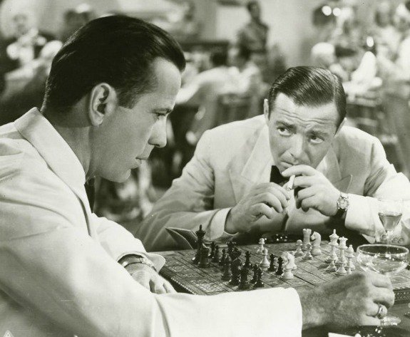 True story, the #chess game Bogie&#39;s playing in the film is a real game he played had going, by mail, with a person he knew.  #DontTouchMyBoard #Casablanca #TCMParty<br>http://pic.twitter.com/8GxReWjiUT
