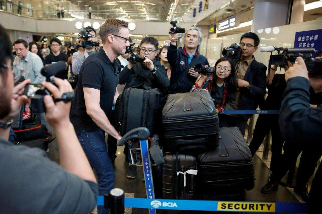 Foreign media arrive for North Korea nuke site closing (apnews.com)