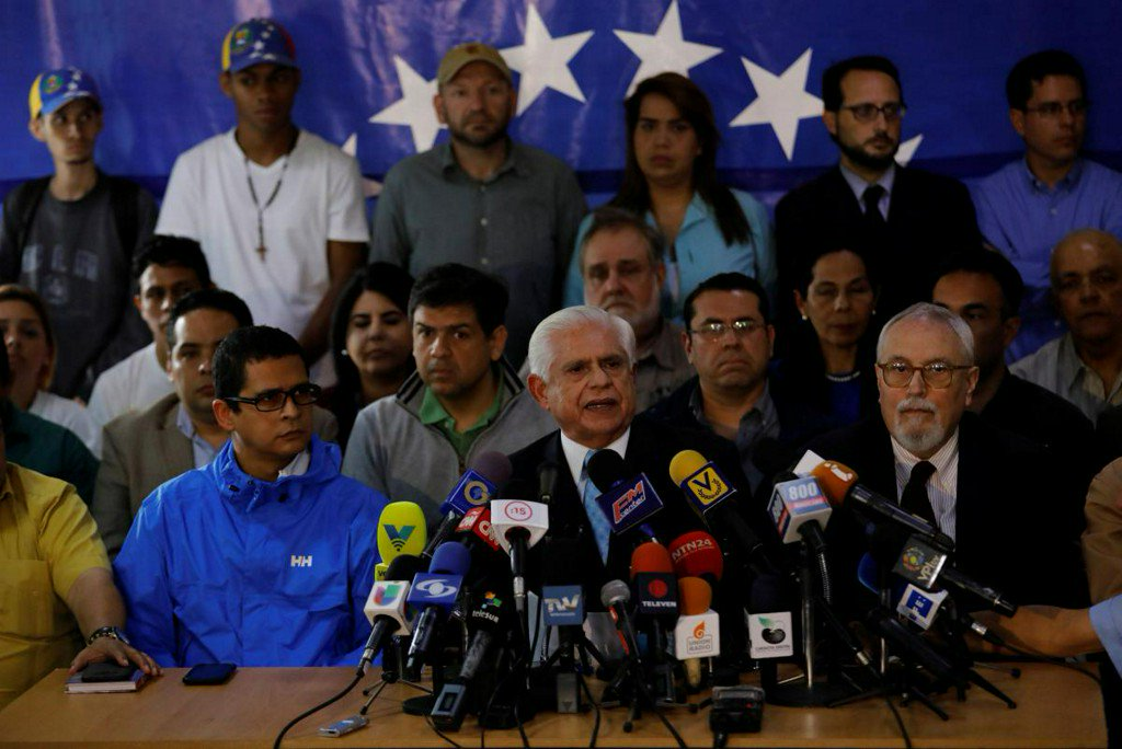 Trump slaps new sanctions on Venezuela, as its neighbors reject election results (nyti.ms)