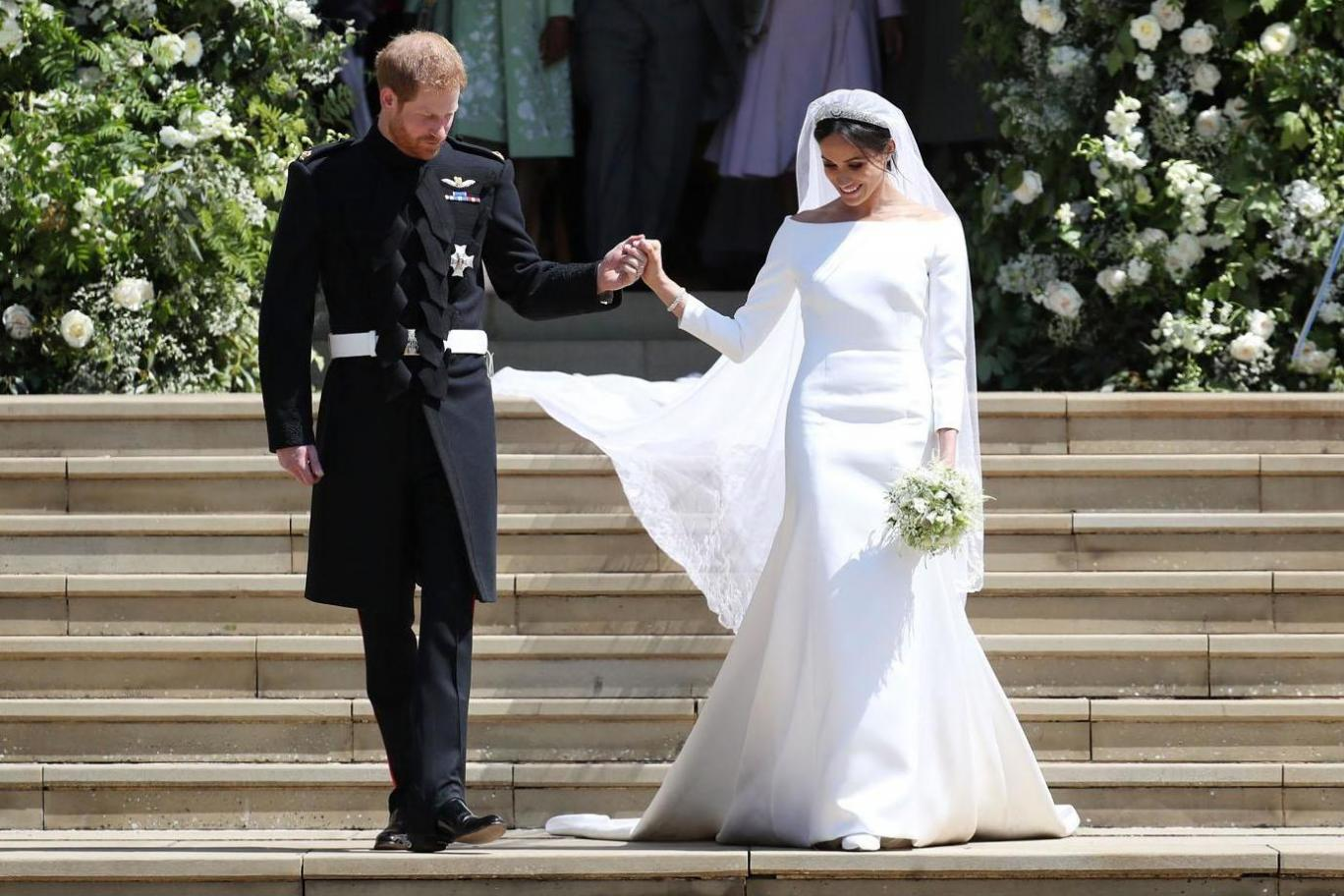 """Mairead McArdle on Twitter: """"#MeghanMarkle's dress is almost identical to that of the only other European princess bride with African heritage, Princess Angela of Liechtenstein ❤ #RoyalWedding… https://t.co/mntJLrJeT0"""""""