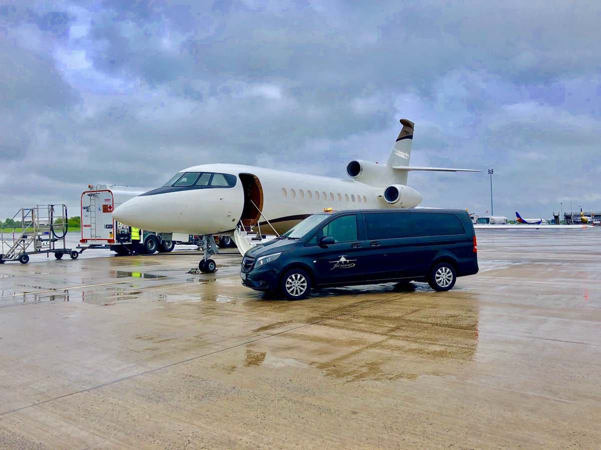 2 days and 2 beautiful variants of the #F900 produced by @Dassault_OnAir, same professional outcome for both operators choosing @Jet_Assist for their Transatlantic #techstop needs. Jet Assist are the premier choice @belfastairport for #BizAv traffic. #EGAA #EBACE<br>http://pic.twitter.com/pkbnWEJXgx
