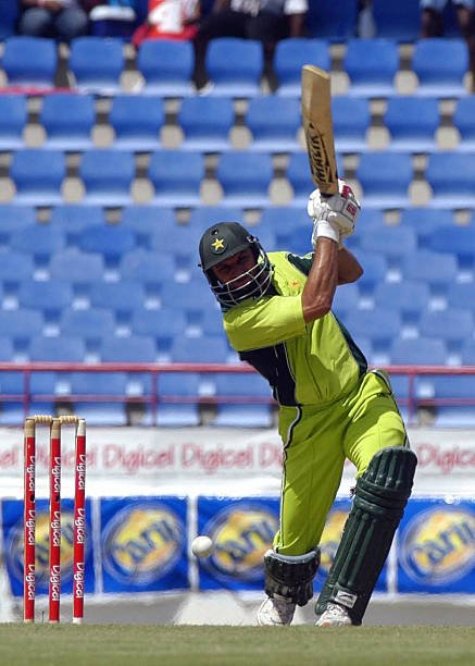Ddy37pQU8AAlrsY - Is Shahid Afridi One of The Most Overrated ODI Cricketers?