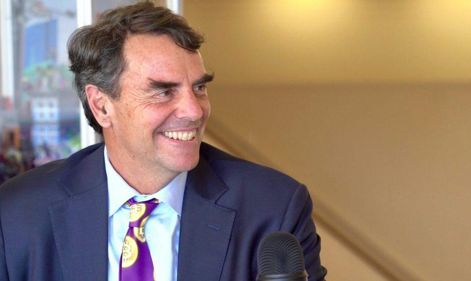 Tim Draper's reasoning behind his prediction that Bitcoin will hit $250,000 by 2022: https://t.co/mTbHvtn2Kq https://t.co/JFcloFpMTM
