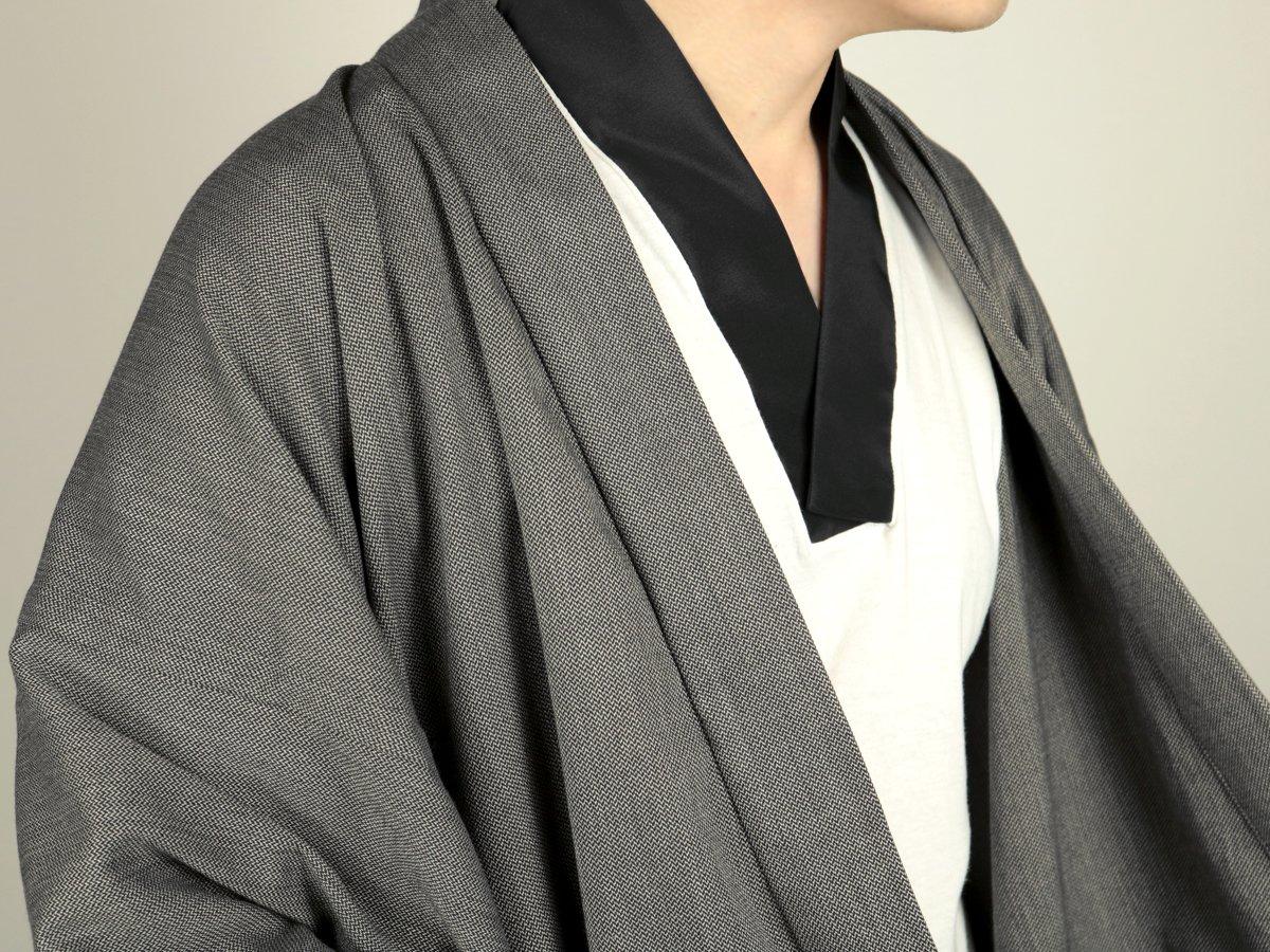 簡単!Tシャツ半襦袢👕  着物や上衣の下に着るのにおすすめのインナーです👌 半袖なのでこれからの時期は重宝しそうです🎐  HITOIKI