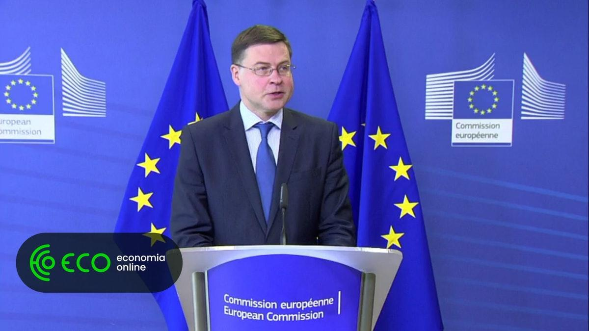 Bruxelas alerta novo Governo de Roma sobre a dívida pública. #Internacional https://t.co/9L4fMpbKAV
