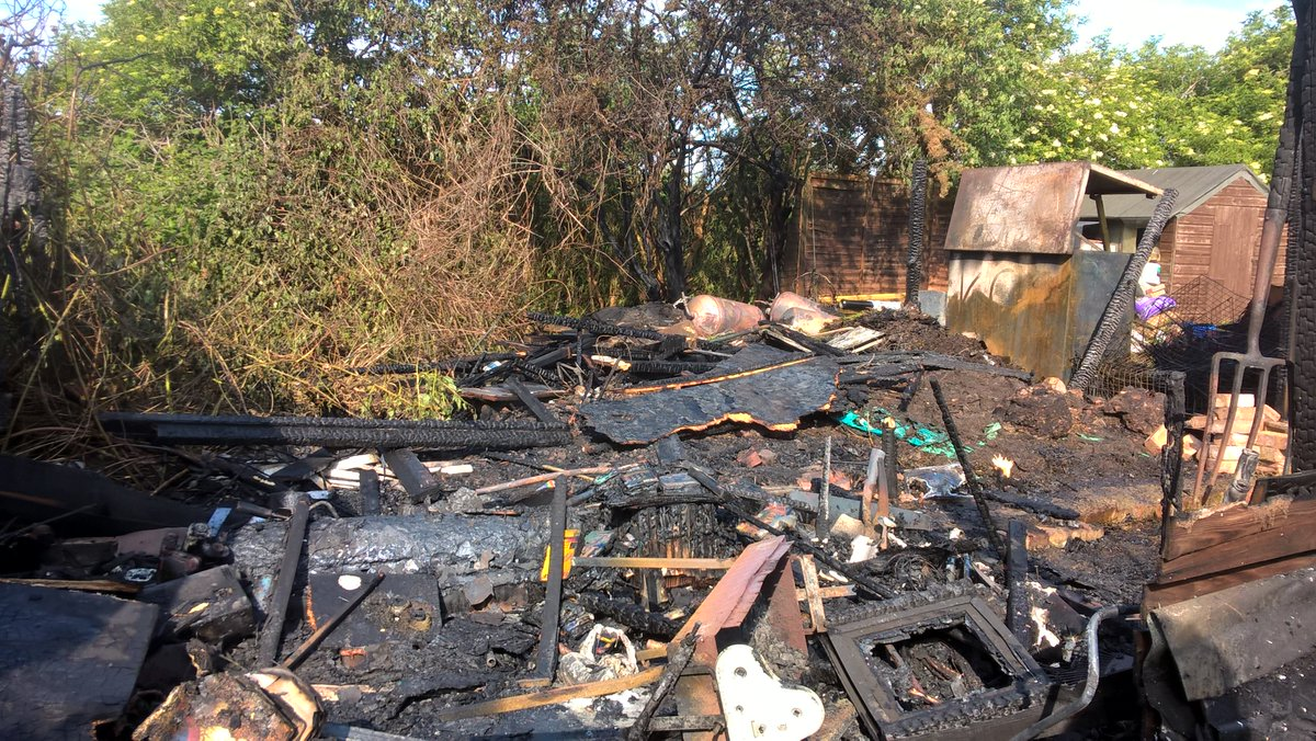 #Thisweek - a shed and garage were destroyed after a fire in #Hounslow https://t.co/nO6eyHzz60