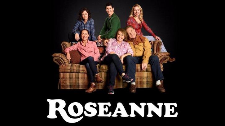 Roseanne - Knee Deep - Season Finale- Advance Preview (Posted: 2018-05-22 05:17:37)  spoilertv.com/2018/05/rosean…