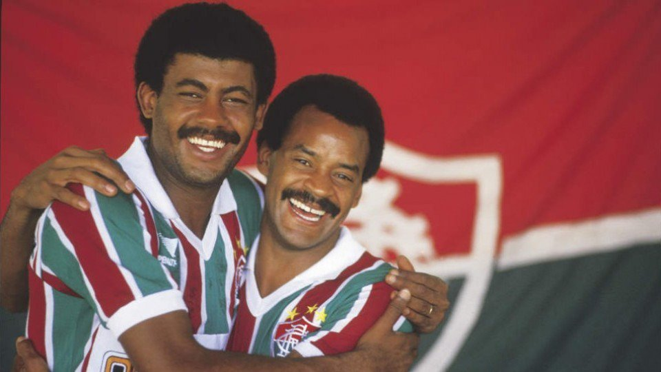 No #DiaDoAbraço nada melhor do que relembrar um dos abraços mais vitoriosos do futebol. #SomosFluminense