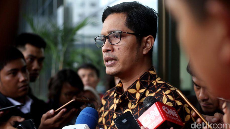 KPK Tak Masalah Nurhayati Bantah Terlibat Kasus e-KTP https://t.co/mAGVdI7x0N https://t.co/PtaLxIRWpN