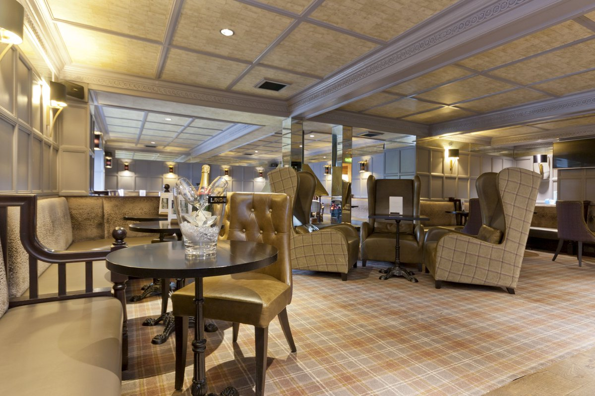 Join Us In Our Club Lounge And Take Advantage Of Outdoor Seating Area Booknow Restaurant Food Dinner Dinnertime Dinnerdate Delicious Chillout