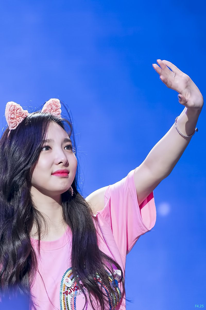 180520 See You Again  #트와이스  #TWICE  #나연  #NAYEON   #ナヨン  @JYPETWICE TWICEONCE FOREVER<br>http://pic.twitter.com/keSoGsc76V