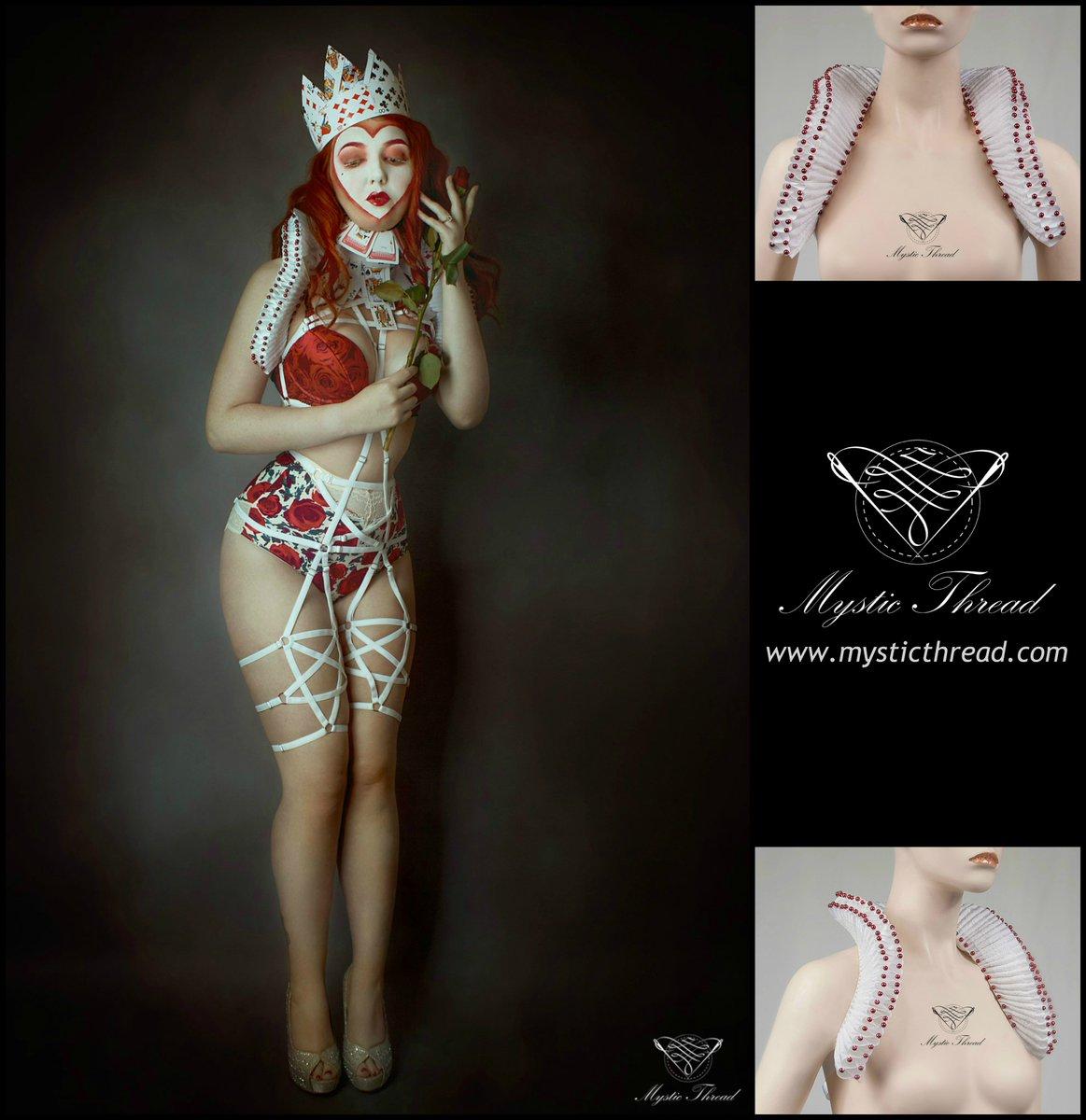 b6c4c0de555  White  Elizabethan  renaissance  wedding  bridal  collar with  wine