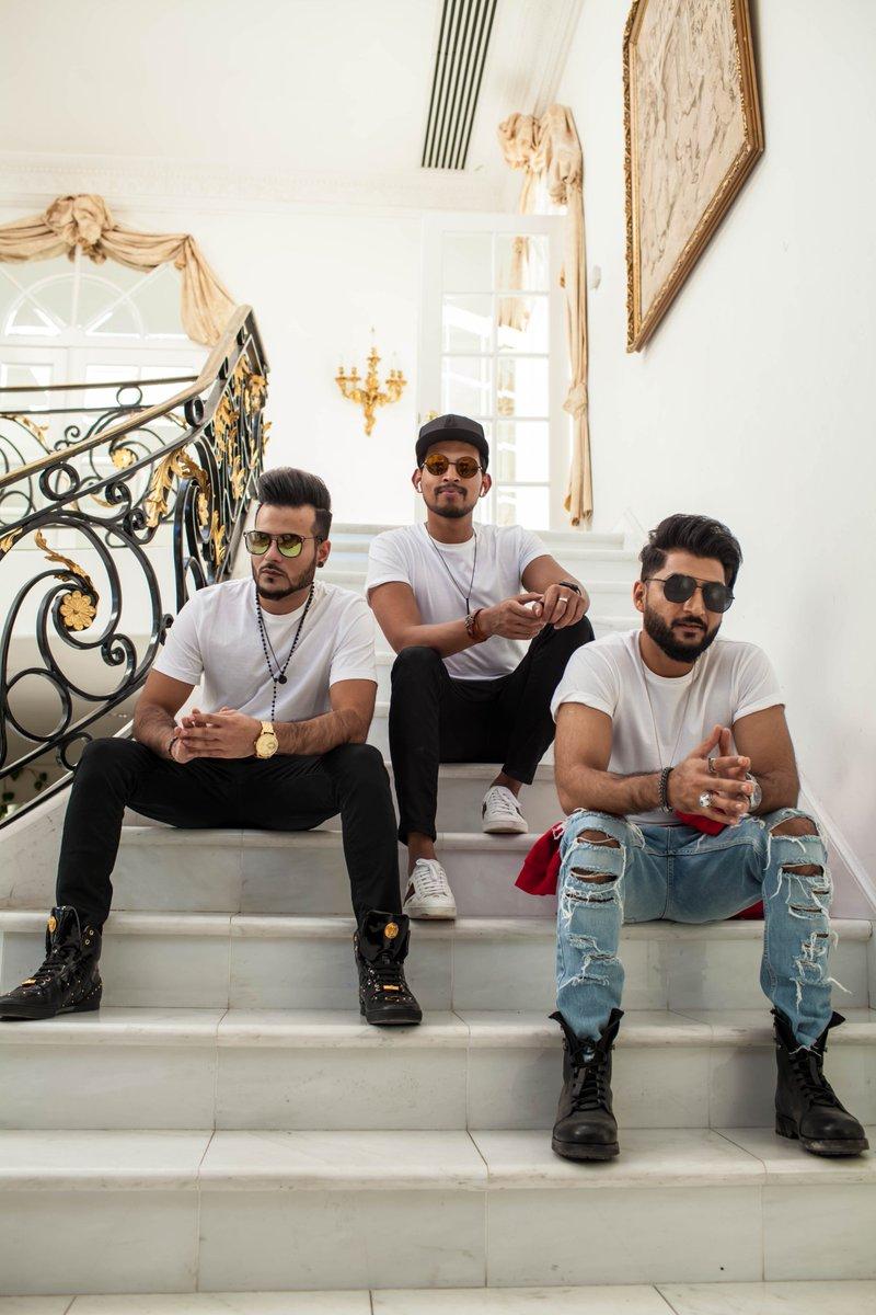 Singer Romee Khan & Bilal Saeed 'Bromances' in 'Snapchat Story'