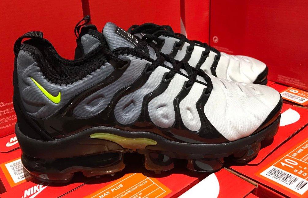 official photos a10ac 69d6a Top Soccer Jersey Wholesaler on Twitter: