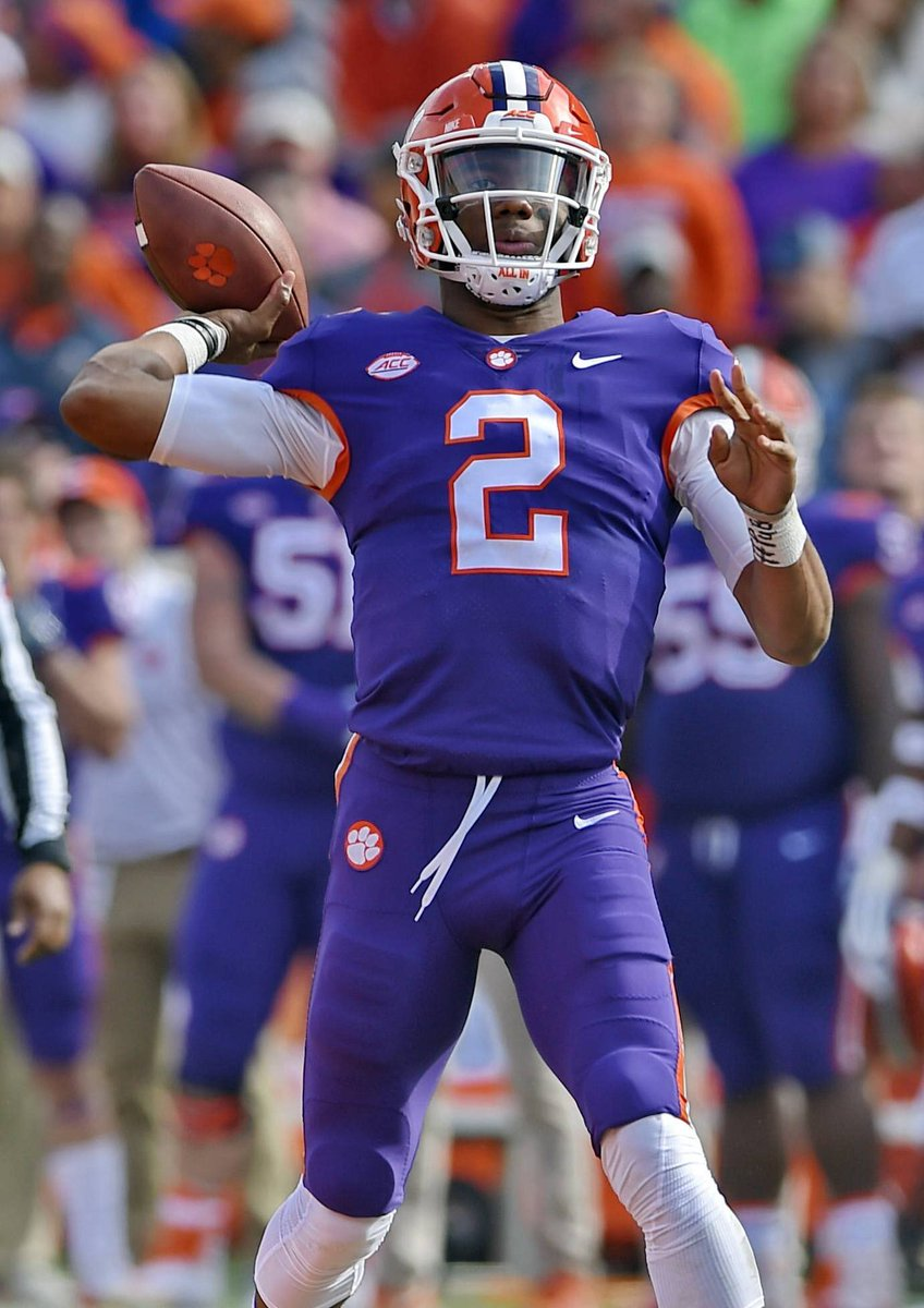 Chad Fields Vols Uniform Boy Na Twitteru I Ll Never Forget A Clemson Fan Arguing With Me That Clemson Doesn T Wear Alternate Uniforms And When I Showed Him These Pictures He Said They