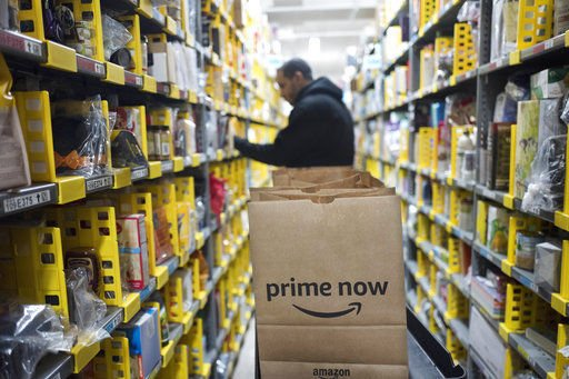 Could Amazon experience a loss of wallet among online shoppers as brick-and-mortar retailers use home delivery or local pickup to compete? @WakeForestBiz retail expert thinks yes. https://t.co/fe5wGd8bvU