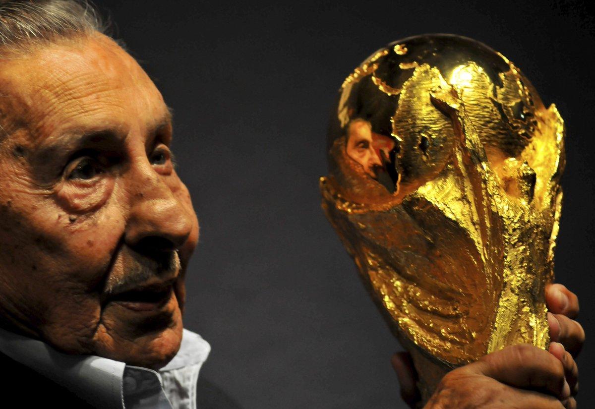 Selección Uruguaya de Fútbol - Página 3 De2O3r3WsAEZ5XB