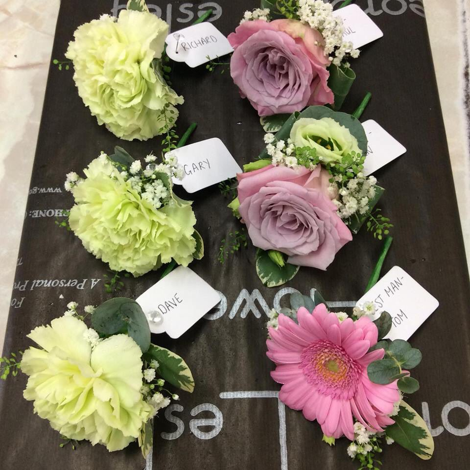 Georgelesleyflowers georgeshopsales twitter stantonhouse wedding flowers swindon florist rose gerbera carnation lissianthus gypsophila alstromeria veronica green pink white natural izmirmasajfo