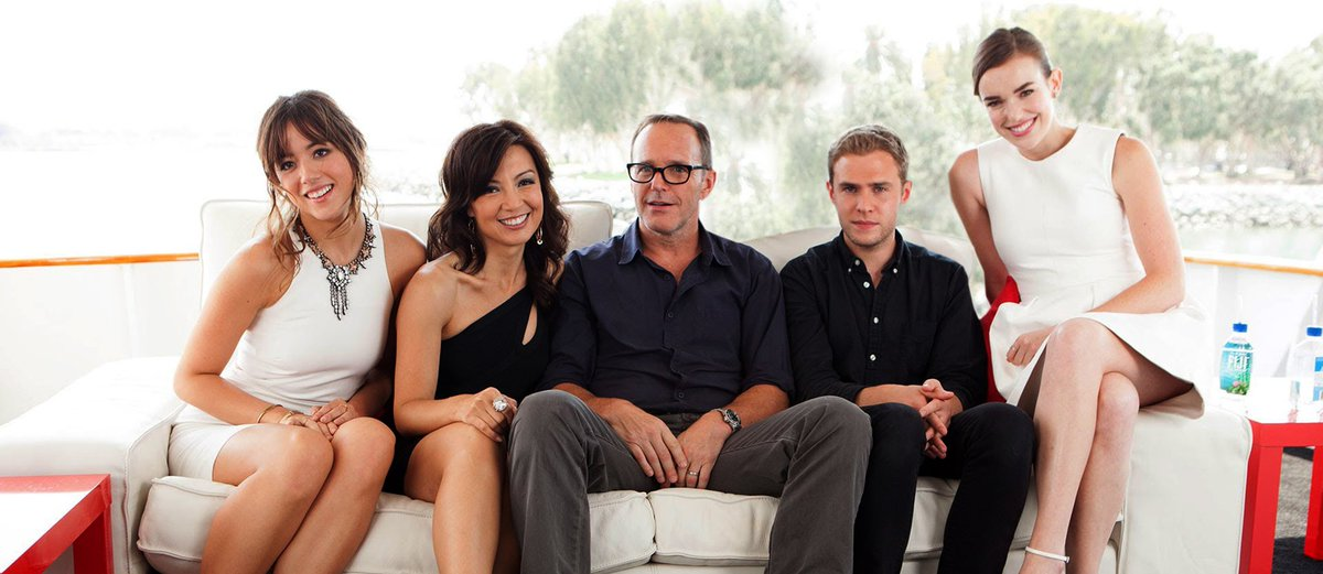 """""""Here's the Coulsons on vacation. Mom gathered everyone for a family picture that she could put on her bedside table.""""  I don't think I can handle a year long wait for #AgentsofSHIELD.  @clarkgregg @MingNa @lil_henstridge @chloebennet  #Philinda Fam Bam #Philindaisy #FitzSkimmons"""