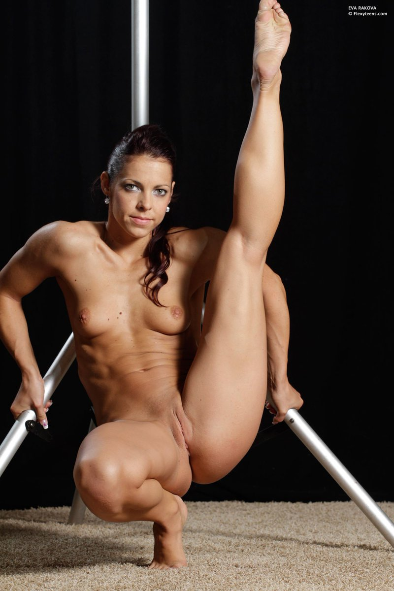 Thick athlete nude — photo 4