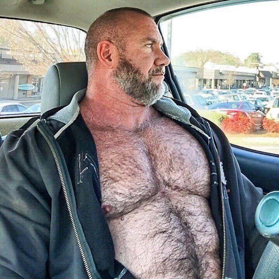 мужик с большой шишкой - 6