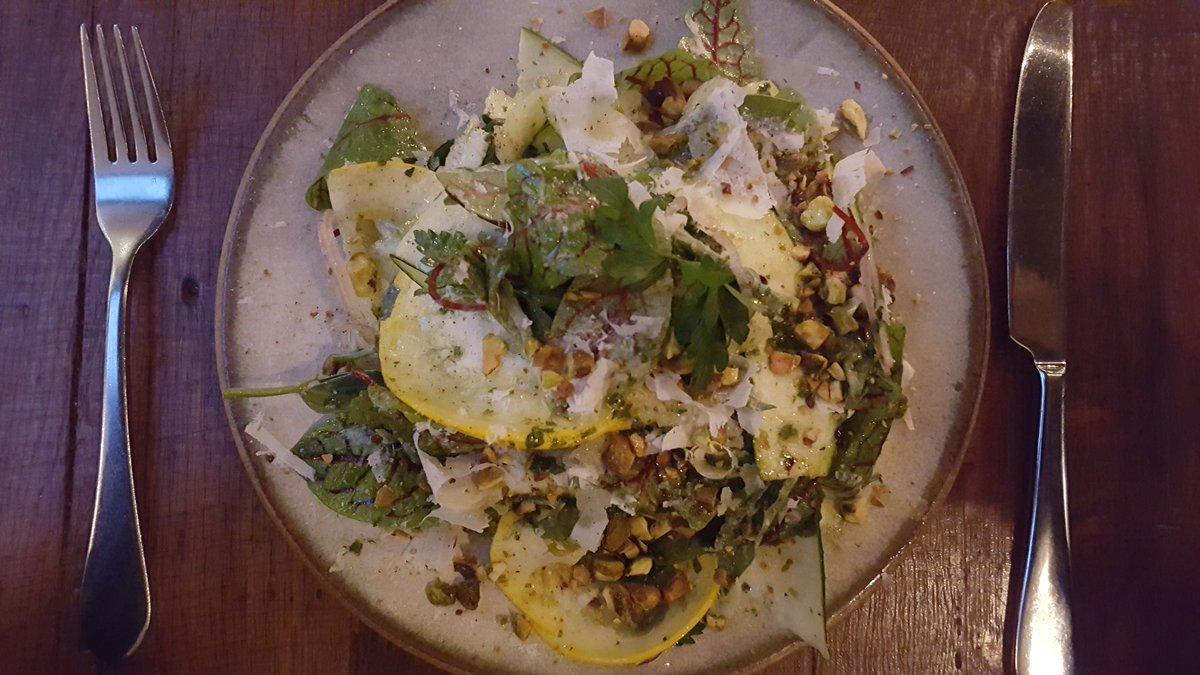@A16Rockridge #foodie Summer squash salad, shallot, tarragon, pistachio, smoked pecorino, red veined sorrel https://t.co/gxmIfAsV4H