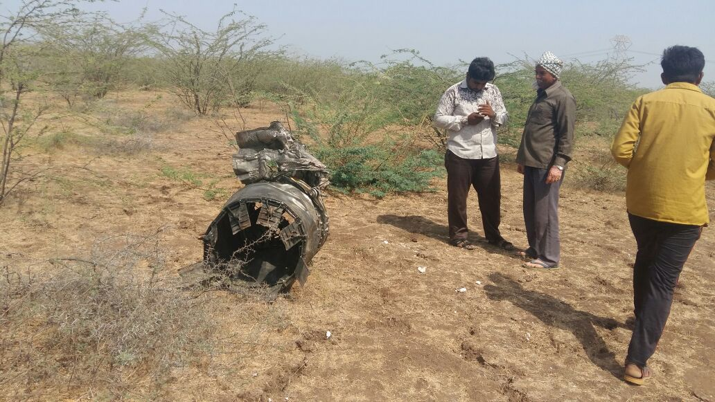 Pilot killed after Indian Air Force Jaguar fighter jet crashes in rural Kutch