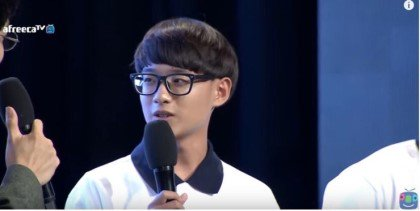 イケてない男子かと思えば・・・? 韓国プロゲーマ―の男性が眼鏡をとった姿がイケメンすぎたww