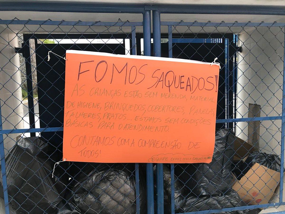 Funcionários de uma escola municipal localizada no Jardim Celeste, na zona oeste da capital, protestam pedindo segurança.  O CEMEI Professora Leila Gallacci Metzker foi alvo de bandidos durante o feriado prolongado de Corpus Christi.