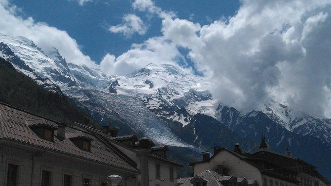 Cómo si estoy mirando todos los días al Mont Blanc. Nunca me cansare de mirarlo este señor monte de casi 5.000m