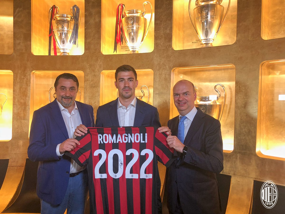 Alessio Romagnoli signs with AC Milan until 2022, Source: AC Milan Twitter