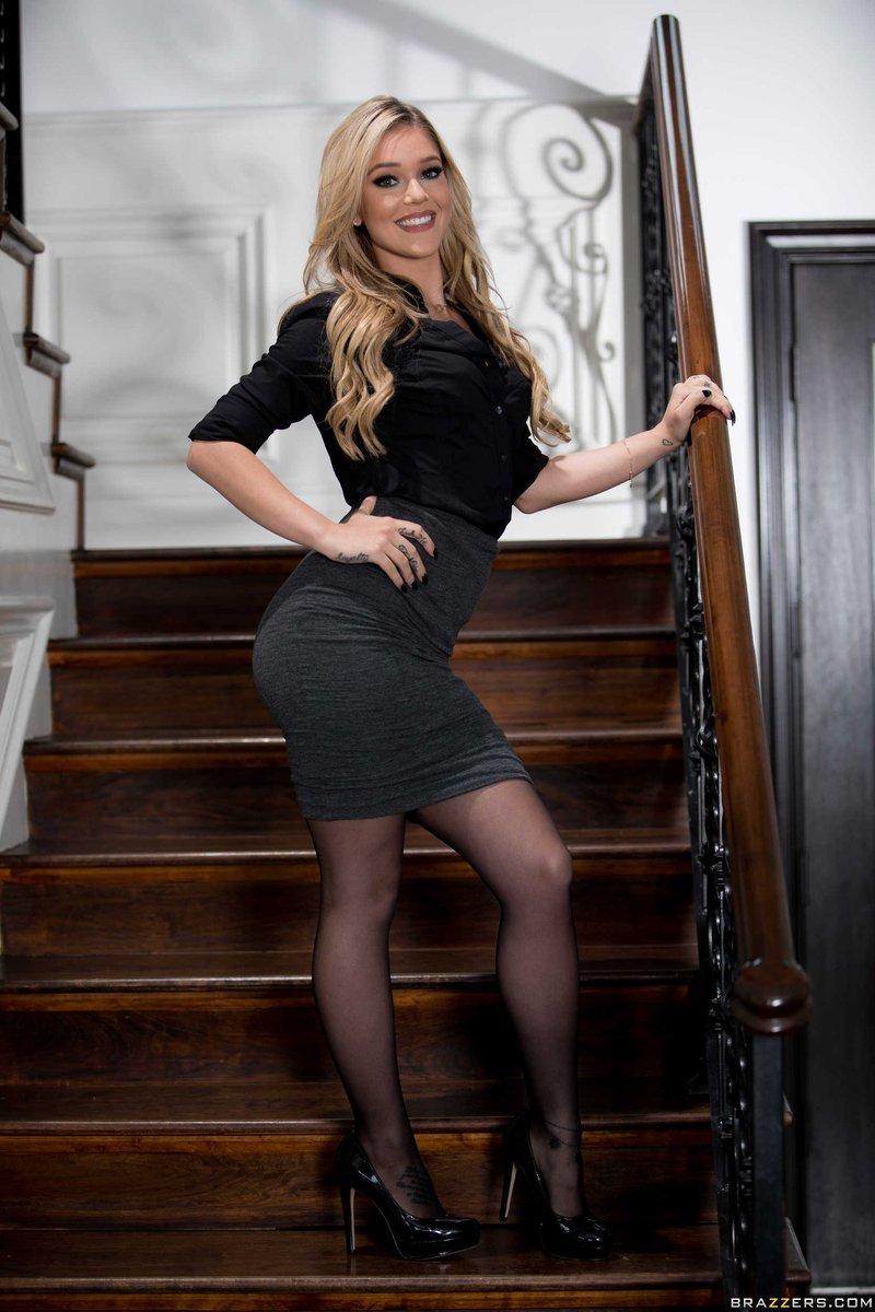 fotki-aktris-brazers-sportsmenkami-bolshimi