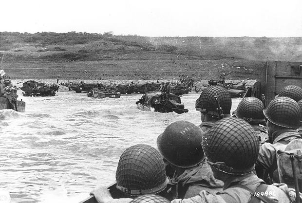 On June 6, 1944, 160,000+ Allied troops landed at #Normandy, a heavily fortified stretch of French coastline to initiate #DDay. More than 10,000 Allied soldiers were killed or wounded, but by day's end, the Allies had begun liberating Europe. #DDay747#TodayinHistory4