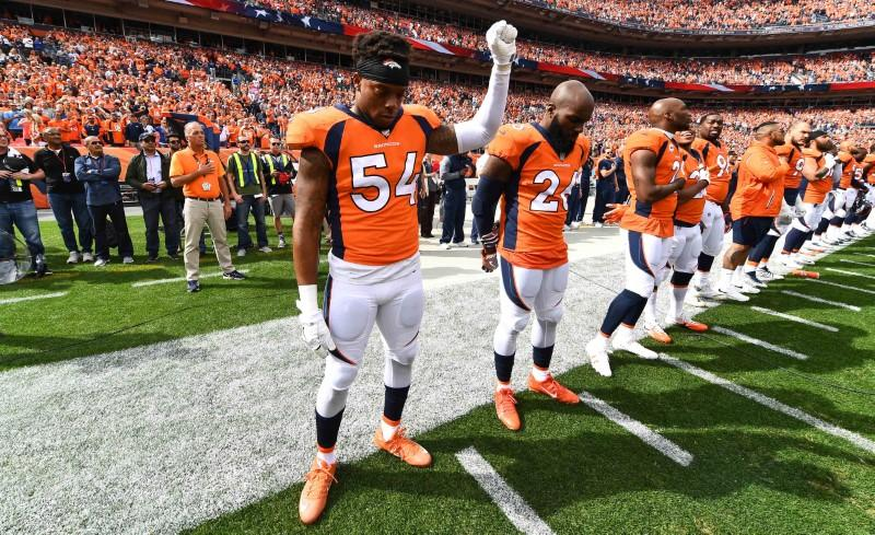 Players react to Trump's comments; linebacker Marshall calls them 'disgusting' https://t.co/q02faBjjzV https://t.co/c8GHoUSyGG