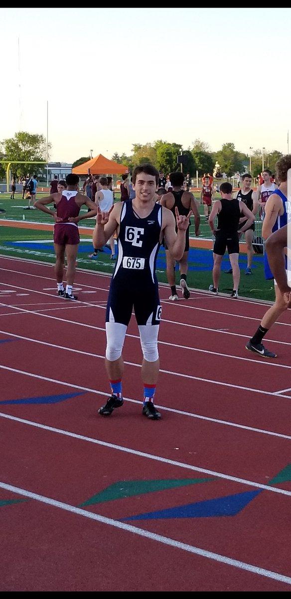 Adam Moon. 200 meter Regional Champ! Statebound!   22.22 <br>http://pic.twitter.com/9HTiMJw5KB