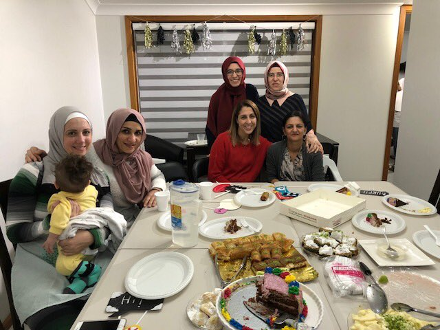 Kammoun's family hosted an Iftar dinner for year 5 girls from Prestons campus. We would like to thank Kammoun's family for their warm hospitality. Ramadan Mubarak 🌺🌺 #amitycollegeprestons