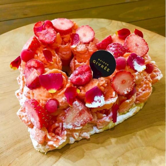 こんなの貰ったらたまらん! ハート型がキュートなアイスケーキ「ロッソ」 ⇒https://t.co/Cl0mbgLGk5 フルーツのシャーベット、ココナッツアイスが楽しめる贅沢なケーキ