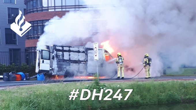 Auto uitgebrand op de N223 https://t.co/wdA86aeUPr https://t.co/3mS70hfnj7