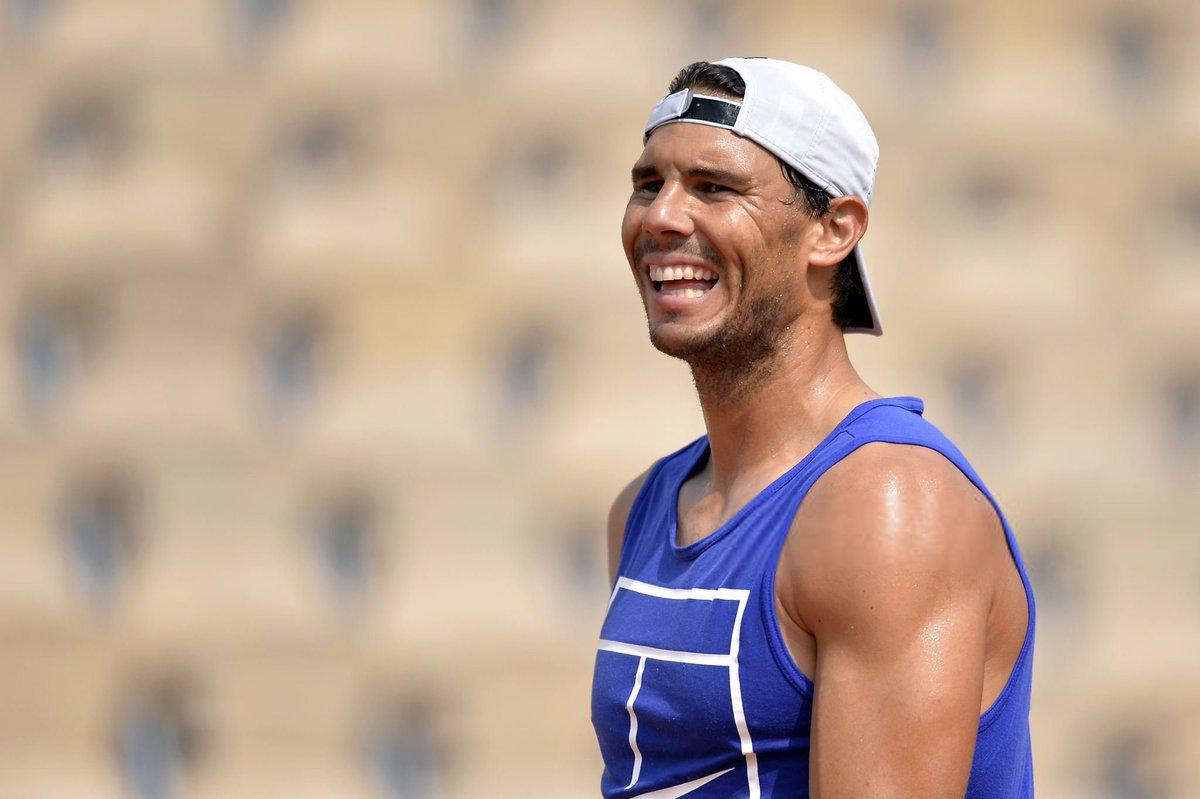 Rafael Nadal Fans On Twitter Photos The Sun S Shining Rafaelnadal S Smiling In Paris Https T Co Tvwmkqifkk Good Luck Vamos Rafa