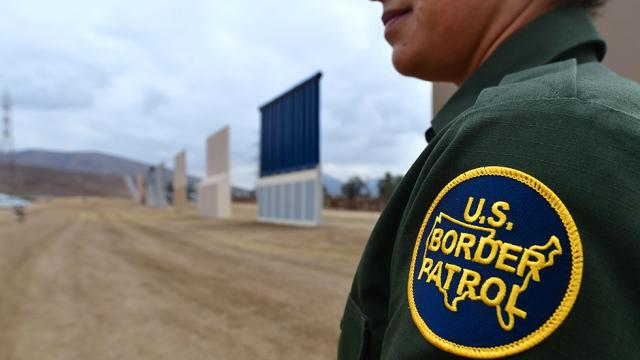 Border Patrol agent shoots and kills migrant woman in Texas https://t.co/DwV0KwCOsN https://t.co/2KGI1euUF7