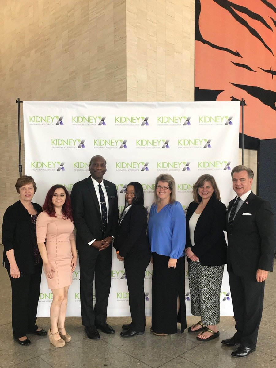 #FBF to hosting members of the #KidneyHealthInitiative @HHSGov to talk abt how the patient perspective can be incorporated in to @Kidney_X. Visit https://t.co/9yw0YwpzMo to learn more. #KidneyX @ASNKidney