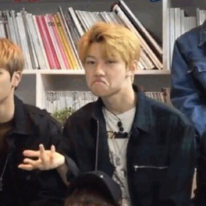 50 rts and I'll randomly airdrop twice and stray kids pics and memes to people I don't even know in my uni. <br>http://pic.twitter.com/81U9d8P9CE