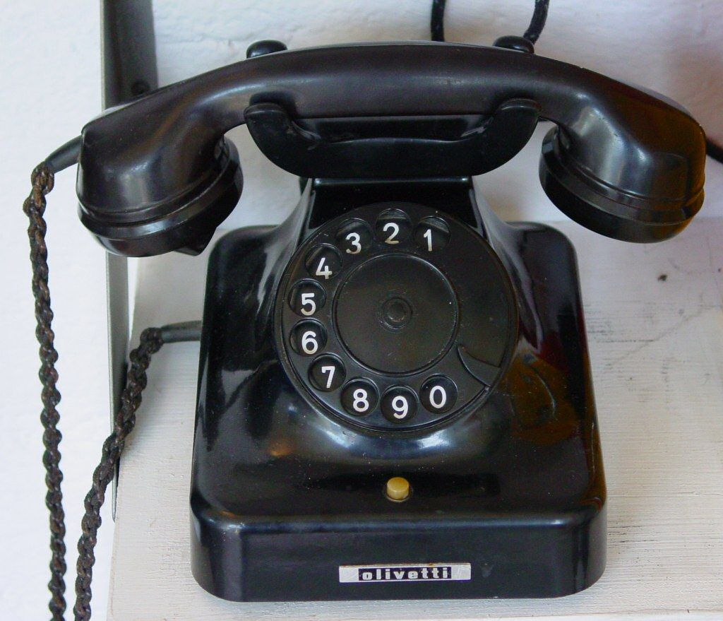 What the cold calling gurus are not telling you  https:// buff.ly/2hEbF6U  &nbsp;   @Timothy_Hughes #sales #salestips #coldcalling #socialselling #digitalsales #digitalselling #salesmanagement #salesleader #digitalleader #marketing #SDR #BDR #socialmedia #CMO @DigitalLeadersA #socialsales<br>http://pic.twitter.com/eehYyCy54T