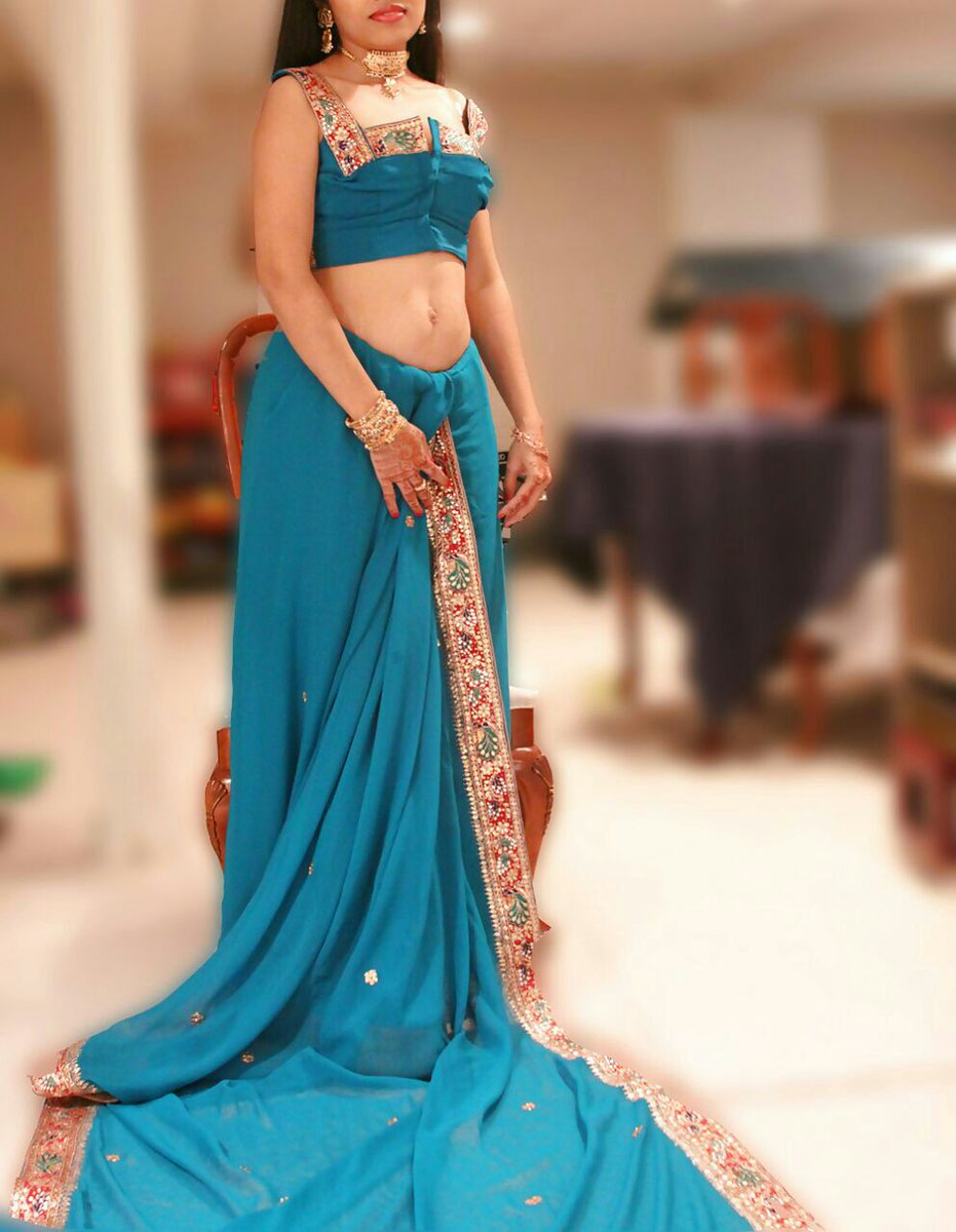 Homely Aunty Saree Strip Image