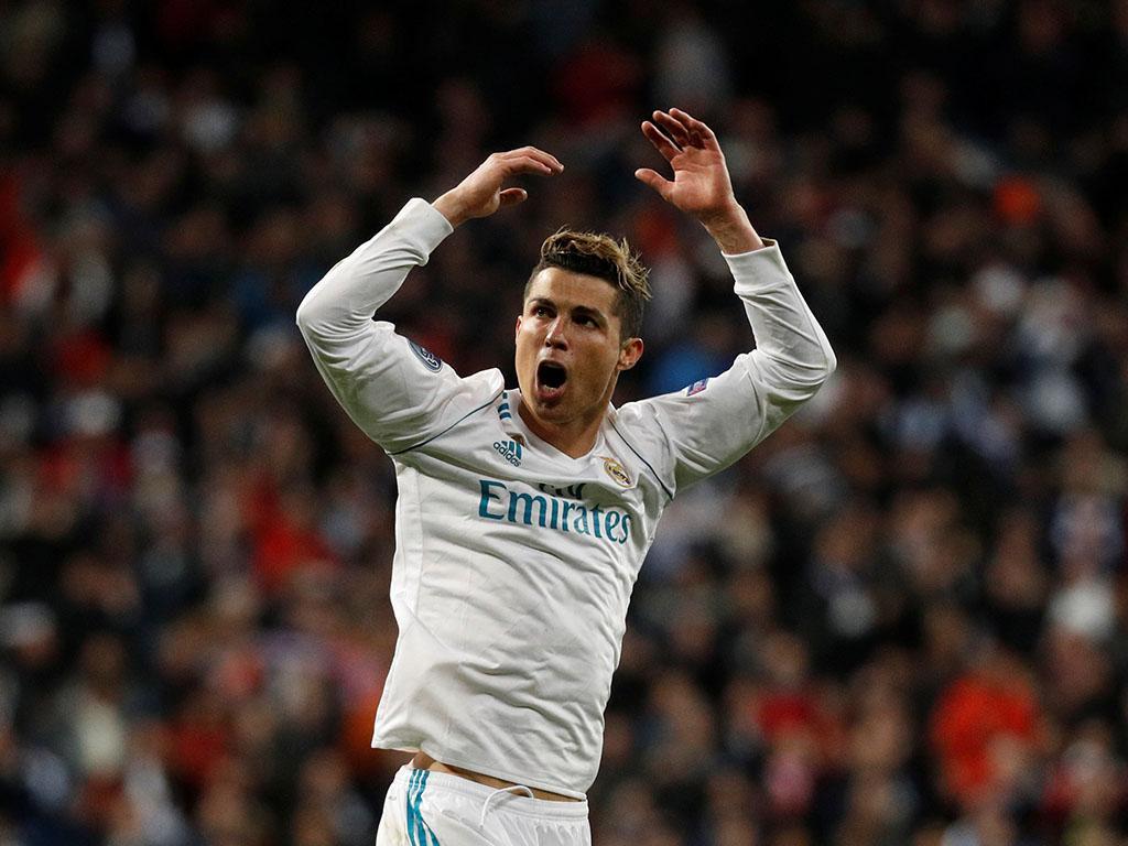 Ronaldo «Jogar no Real Madrid traz pressão adicional. É como o Benfica» https://t.co/nm4yU02sKv