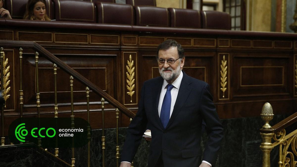 Socialistas apresentam moção de censura contra Rajoy. #Internacional https://t.co/V84aO7bPzl